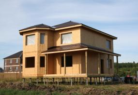 Строительство домов из SIP-панелей в Москве и области от компании Лидер Кровля